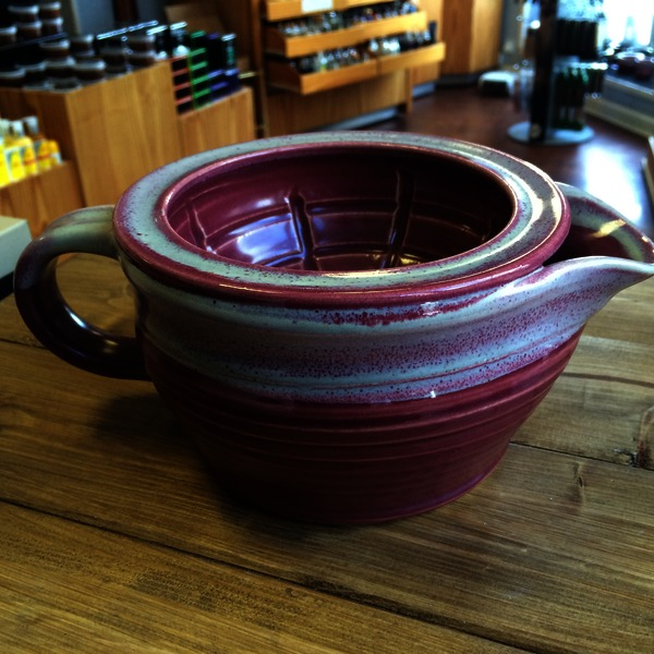 Dirty Bird  Shaving Scuttle 1.5 Spice Gold Rim on Red