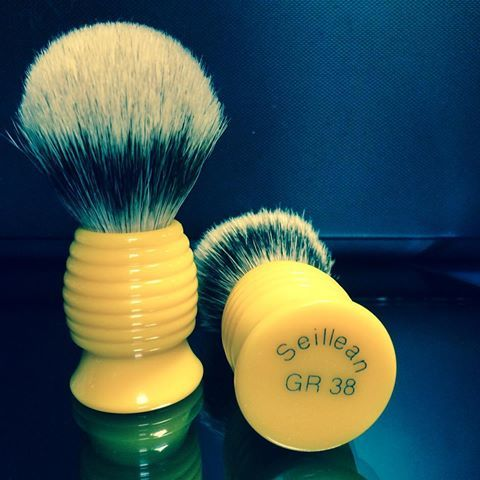 'Seillean' Butterscotch Beehive Badger Hair Shaving Brush