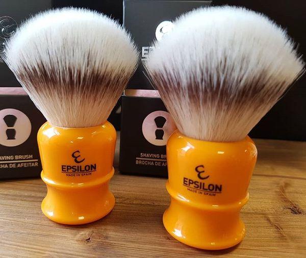 Vie-Long Epsilon Silvertip Fiber Shaving Brush (Butterscotch)