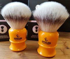 Vie-Long Epsilon Silvertip Fiber Shaving Brush (Butterscotch)