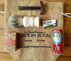 The Gentleman's Groom Room Traditional Shaving Starter Set