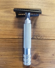 Ikon B1 Slant Safety Razor With Bulldog Handle
